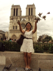 Feeding the birds at Notre Dame before heading out to Belgium via Thalys